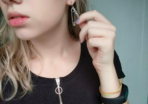 1pc Safety Pin Earrings