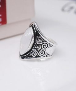 Vintage Tibetan Silver Big Healing Crystal Rings Boho Antique Indian Moonstone Ring Fine Jewelry Girls Ladies