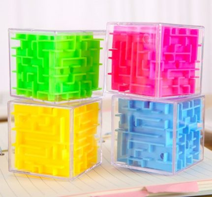 Magic Cube Puzzle Game